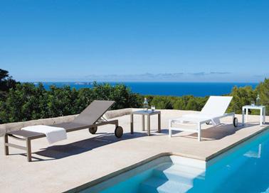 Des transats en aluminium design pour la d co du jardin for Transat design piscine