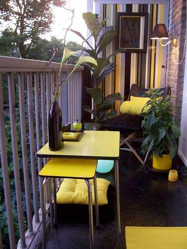 D co balcon un am nagement color et chic pour l 39 t - Mobilier pour petit balcon ...