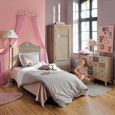 un ciel de lit maisons du monde pour une vraie chambre de princesse. Black Bedroom Furniture Sets. Home Design Ideas