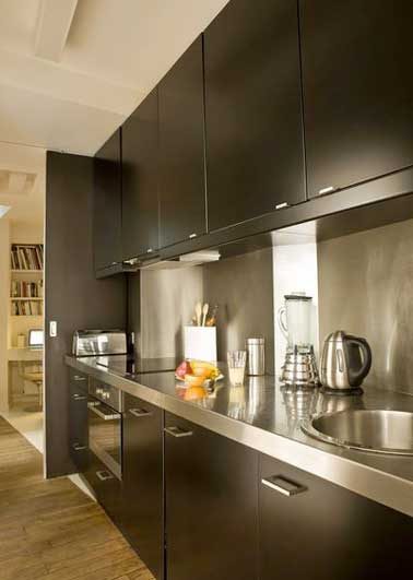 cuisine plan de travail inox maison design. Black Bedroom Furniture Sets. Home Design Ideas