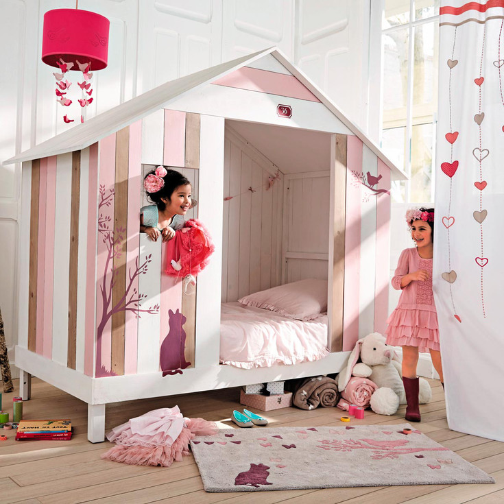 un lit cabane rose pour filles de chez maisons du monde. Black Bedroom Furniture Sets. Home Design Ideas
