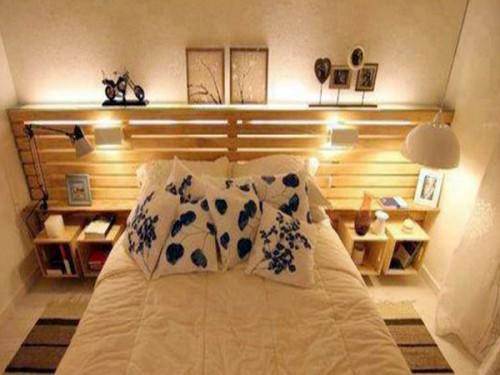 lit palette avec tete de lit rangement dans petite chambre. Black Bedroom Furniture Sets. Home Design Ideas
