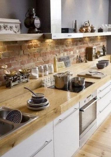 Mur en brique dans une cuisine ambiance traditonnelle - Cuisine ambiance ...