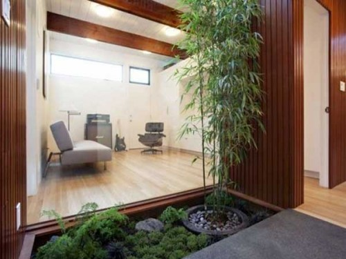 plantes vertes et bambou sur une terrasse jardin zen. Black Bedroom Furniture Sets. Home Design Ideas