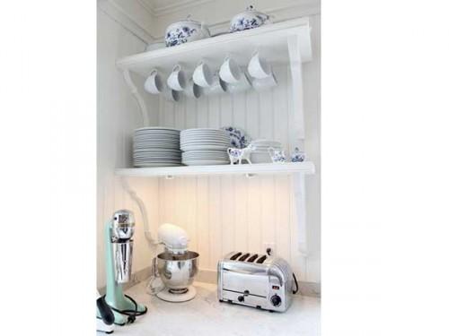 Rangement cuisine retro avec deux etageres murales for Rangement etagere cuisine