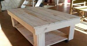 Une Table Basse Palette Avec Barbecue Encastré
