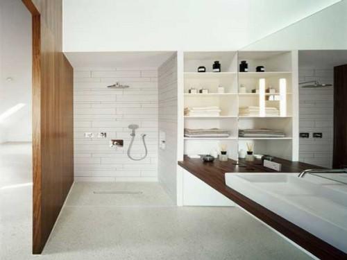 Salle de bain zen en longueur avec douche a l italienne - Petite salle de bain en longueur ...