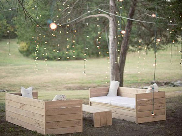 salon de jardin ambiance rustique a realiser en palette. Black Bedroom Furniture Sets. Home Design Ideas