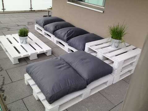 coussin pour salon de jardin en palette. Black Bedroom Furniture Sets. Home Design Ideas