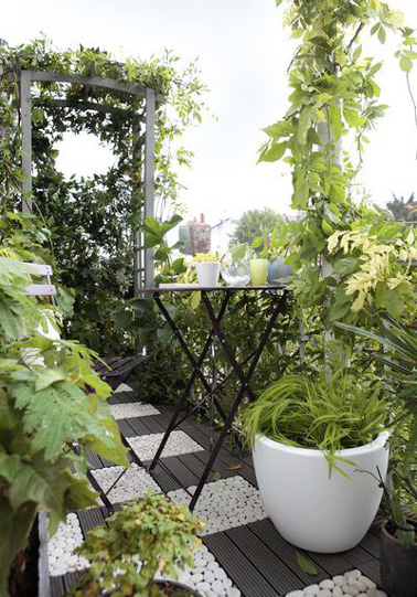 Amenagement petit balcon plantes id e - Amenagement petit balcon parisien ...