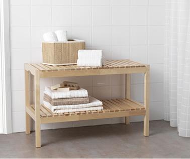 Un banc pratique pour les petits dans la salle de bain - Ikea salle de bain rangement ...