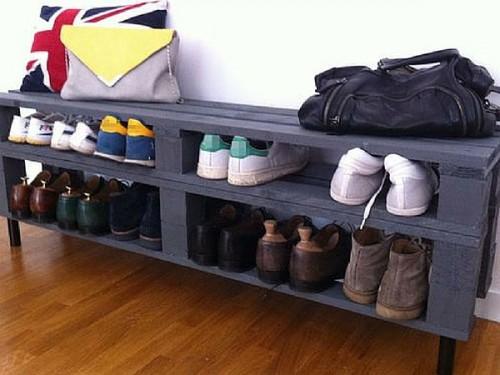 Un banc qui fait meuble chaussures en palettes - Faire l amour sur un banc ...