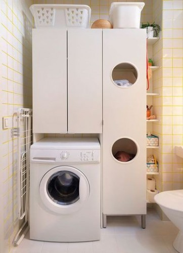 Une buanderie ikea bien organis e dans la salle de bain for Placard salle de bain ikea