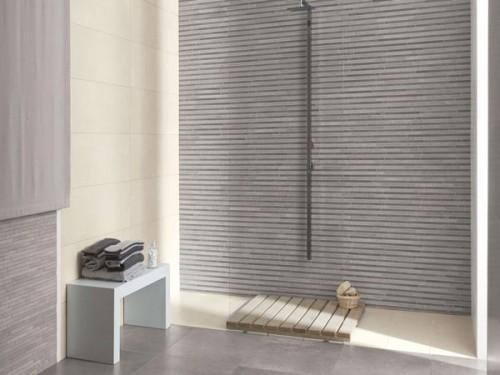 Carrelage gris et faience dans douche a l italienne - Carrelage douche a l italienne ...