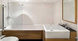 Carreaux de ciment et carrelage metro dans salle de bain for Salle de bain carrelage metro