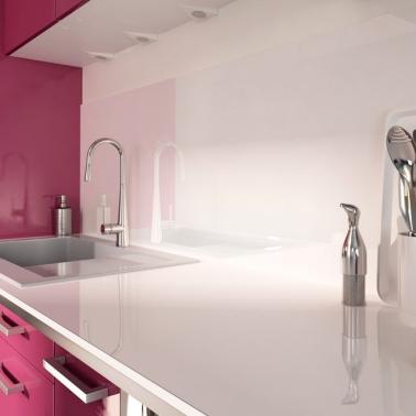 Cr dence verre ou inox 13 mod les d co pour la cuisine - Cuisine en verre blanc ...