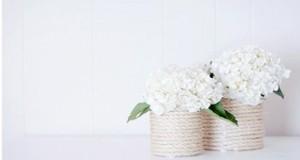 Grâce à ce DIY , fabriquez un joli vase déco pas cher avec des objets de récup pour exposer vos fleurs ! Une déco chic et originale dans la maison à réaliser très facilement