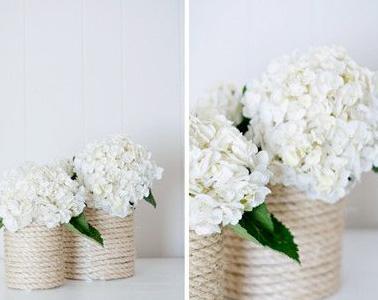 Les fleurs s'invitent dans la maison avec ce DIY et son vase personnalisé réalisé avec trois fois rien. Une déco unique et élégante pour l'arrivée du printemps