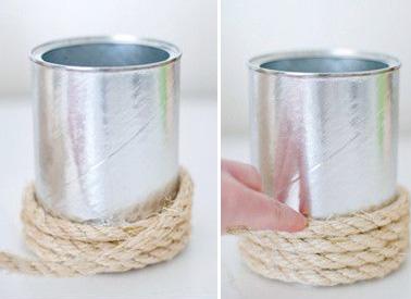 Enroulez une jolie corde autour d'une boite de récup afin d'obtenir un magnifique vase pour votre déco ! Un DIY astucieux, pas cher et facile à réaliser