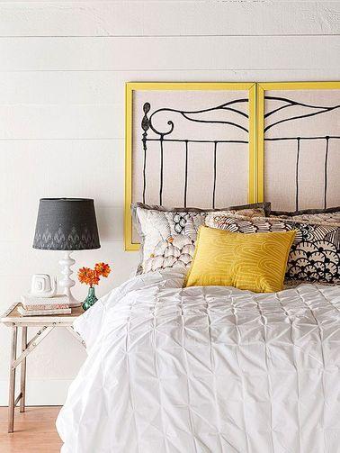 Fabriquez une belle tête de lit avec trois fois rien : huit tasseaux de bois, de la toile de coton, des clous, des agrafes et de la peinture sont tout ce dont vous avez besoin pour ce projet.