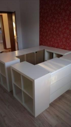 des id es pour fabriquer son lit avec des rangements. Black Bedroom Furniture Sets. Home Design Ideas