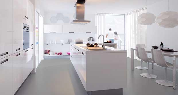 La cuisine blanche confirme son style de d co tendance - Cuisine toute blanche ...
