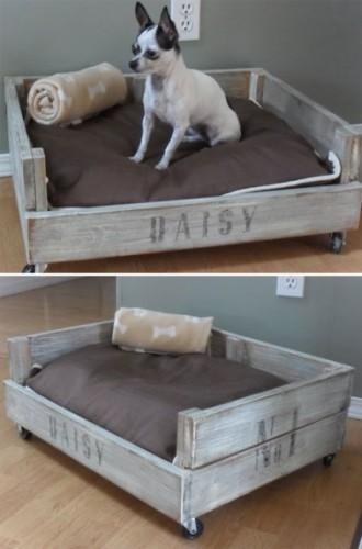 Un petit canap lit pour chien en palette sur roulettes - Fabriquer un lit pour chien ...
