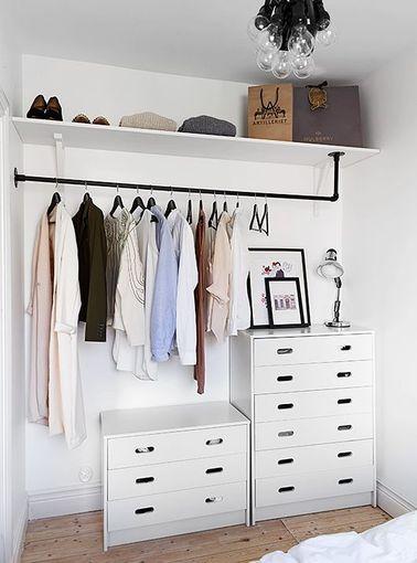 Une petite chambre avec un dressing vraiment pas cher |