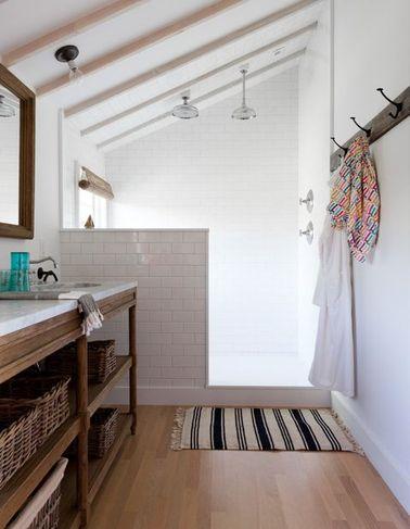 D co styl e pour une petite salle de bain deco cool - Salle de bain sous les combles idees ...