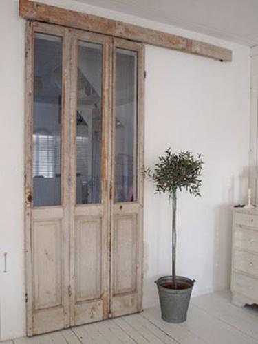 Porte fen tre patin e recycler en cloison coulissante for Deco porte coulissante