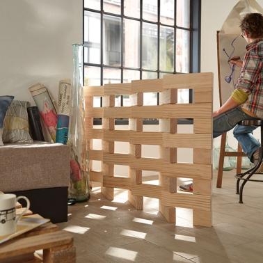 Une cloison d co pour s parer sans assombrir for Separation en bois deco interieure