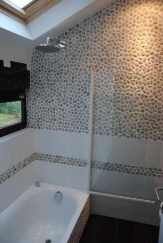 Pin salle de bain sous pente quimper on pinterest - Petite salle de bain sous pente de toit ...