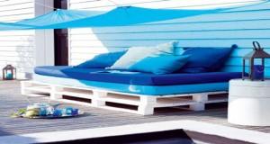 Facile de fabriquer un canapé en palette pour votre jardin et ultra confortable, sans bricolage ! Des idées pour un salon de jardin tendance au top aménagé avec palettes