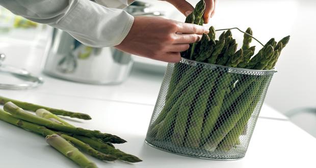 Une idée futée pour une cuisson parfaite de ses asperges sans les casser, le cuiseur d'asperges ! Simple d'utilisation et efficace, cet accessoire sera votre meilleur allié dans la cuisne