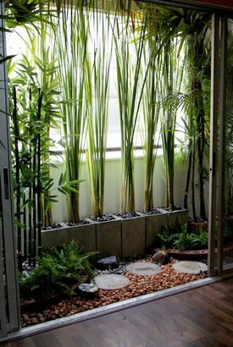 des bambous pour se prot ger du vis vis sur le balcon. Black Bedroom Furniture Sets. Home Design Ideas
