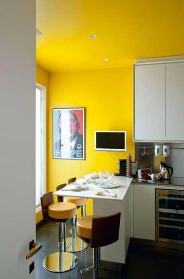 Astuces d co pour agrandir une petite cuisine deco cool for Petite cuisine avec coin repas
