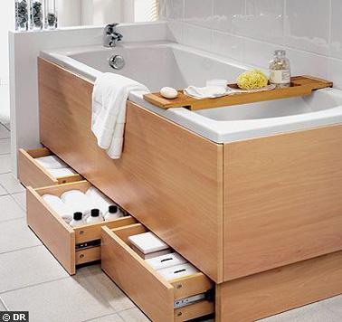 petite salle de bain d co optimis e avec des rangements