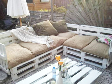 Faire un salon de jardin en palette d co for Idee salon de jardin original