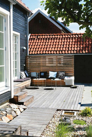 am nagement de terrasse avec des palettes en bois de r cup. Black Bedroom Furniture Sets. Home Design Ideas