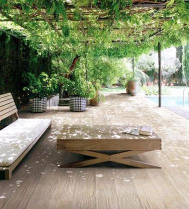 6 d corations de terrasse abrit es par de la verdure for Bord de la piscine