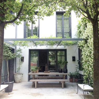 6 d corations de terrasse abrit es par de la verdure for Amenager la terrasse