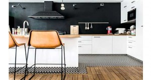 Découvrez des astuces déco pour améliorer sa déco cuisine facilement avec de la couleur, du carrelage, un meuble, ou un revêtement de sol déco.