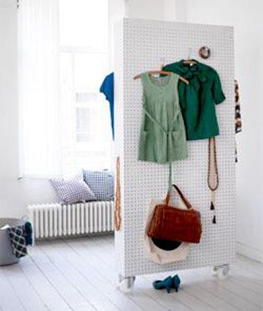cloison amovible avec isorel prefor pour une chambre d 39 enfant. Black Bedroom Furniture Sets. Home Design Ideas