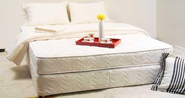 comment nettoyer un matelas avec des produits naturels. Black Bedroom Furniture Sets. Home Design Ideas