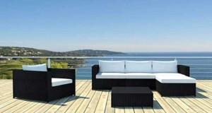Aménager et décorer jardin, terrasse et balcon avec un salon de jardin, une table, un transat et des luminaires extérieurs en plein dans la tendance déco jardin pour cet été