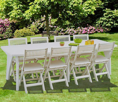 une jolie table de jardin en r sine blanche. Black Bedroom Furniture Sets. Home Design Ideas