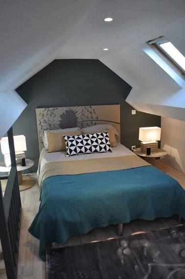 fabriquer une t te de lit d co avec une toile de peinture. Black Bedroom Furniture Sets. Home Design Ideas
