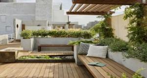 Un banc de jardin dans la déco extérieure c'est top ! Voici des idées pour vous inspirer afin d'aménager un jardin ou une terrasse confortable et déco avec un banc