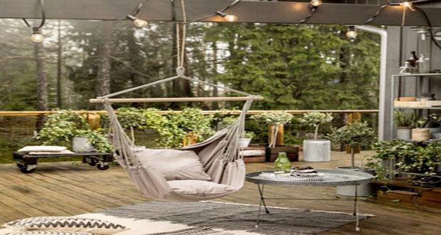 Inspirez-vous de nos idées déco pour aménager une terrasse stylé et tendance avec un fauteuil suspendu ultra confortable et 100% cocooning pour les beaux jours