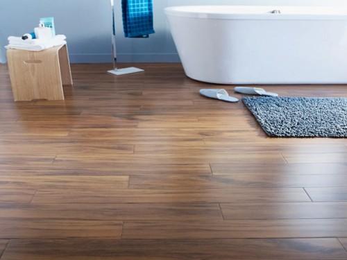 du parquet bambou dans une salle de bain zen castorama. Black Bedroom Furniture Sets. Home Design Ideas